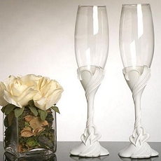 Two Hearts Toasting Glasses