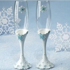 Winter Wonderland Toasting Flutes