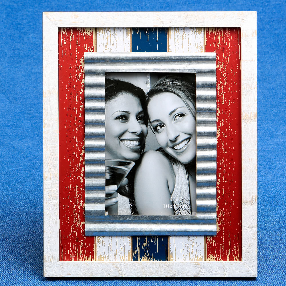 Distressed Wood Red White Blue  4 X 6 Frame