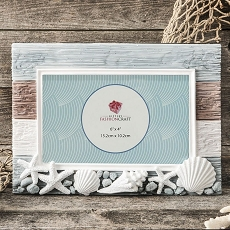 Charming Beach Horizontal 6 X 4 Frame With Shells