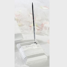 Lillian Rose White Pleated Silk Pen Set