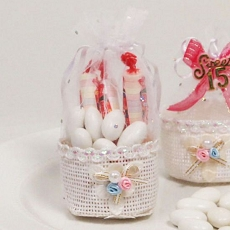 Wonderfully White Favor Basket