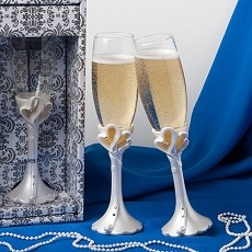 Hearts Design Toasting Flutes