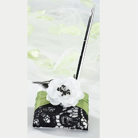 Lillian Rose Green and Black Lace Pen set