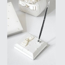 Lillian Rose Ivory Scattered Pearl Pen Set